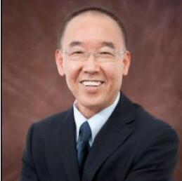第三位闭幕式特邀报告人是木林森股份集团有限公司董事唐国庆