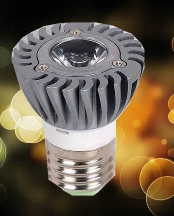 制作 采用/该灯采用1枚1瓦的大功率芯片制作而成
